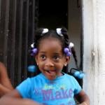 Küba'da okula gitmeyen çocuk yok. Eğitim ücretsiz.