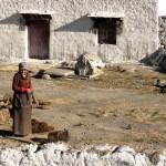 Tibet'de bir köy evi