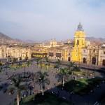 Bu da Peru'nun başkenti Lima'dan bir ana meydan görüntüsü